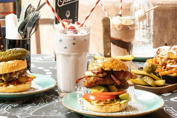 PROMO 2 BURGERS & LOADED for £20